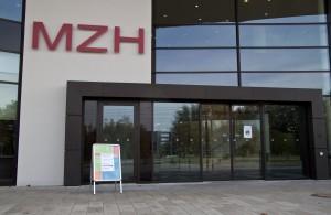 MZH Eingang IMG_1742-300x195